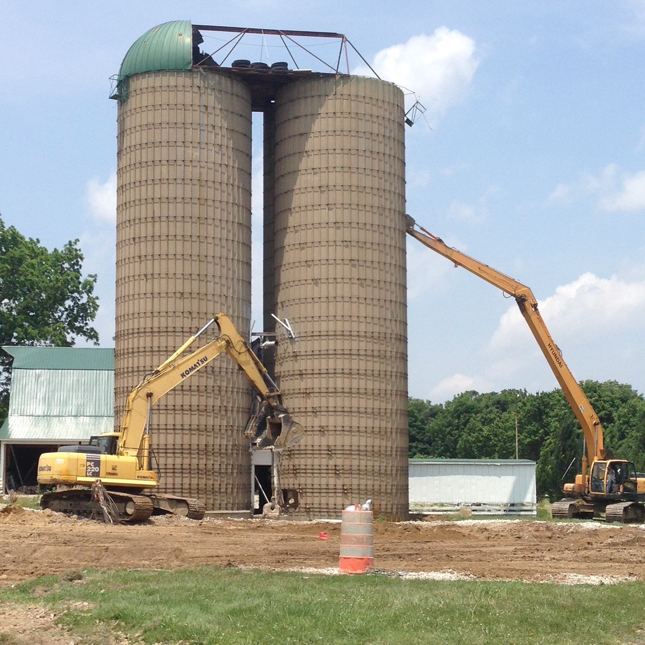 Demolishing grain silos. (Images courtesy of Black's Excavation.)